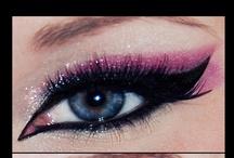 ' Maquiagem - makeup / As makes que eu mais gosto. Uma mais linda que a outra. / by Francielle Cardoso de Araújo