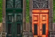door / .