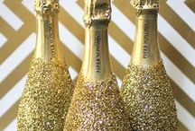 Gold & Glitter Bachelorette Party Ideas / If your party theme colors are gold and glitter, then you've come to the right place! A gold bachelroette party is classy and sophisticated, and can even be a little sexy! Have fun with it and see all the different bachelorette party games and Ideas we've come up with for you!