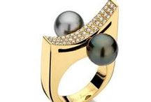 PEARL RINGS / Please not more than 6 pins per day!