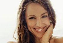 jennifer garner / Jennifer Anne Garner born 17 April 1972 Born and residing in:  United States