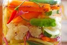 Vegans & Vegetarians - Veganos & Vegetarianos / O DIA EM QUE O HOMEM, TIVER CONSCIENCIA DA MALDADE QUE FAZ AOS ANIMAIS, ENTÃO ESTARA A MEIO CAMINHO DA ILUMINAÇÃO ! PODEMOS MEDIR O GRAU DE DESENVOLVIMENTO ESPIRITUAL DE UM POVO, PELA MANEIRA COMO ELE TRATA SEUS ANIMAIS! VALERIUS!