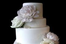 Wedding Cakes / by Courtney Corbin Simon