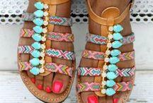 A tus pies / Botas, zapatos sandalias alpargatas