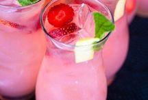 Drinks / by Danelle Holdren