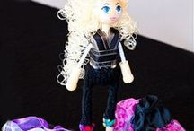 DIY Craft / All things craft. Paint dolls faces. Make dolls clothes