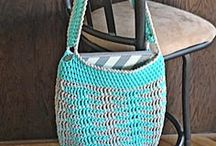 Crochet Bags and Totes / Crochet patterns for market bags, purses and totes.