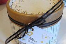 Souvenirs / Libro de firmas, invitaciones y souvenirs todos a tono y acorde a su diseño.