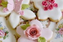 Teatime / Love! Teatime colour and design inspiration. Passion, femininity, lace, roses, exquisite inspiration.