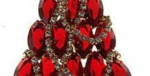 Christmas Jewelry / Vintage Christmas jewelry brooches earrings necklaces