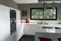 Nos réalisations / Vous trouverez ici les cuisines posées par nos soins. Pour voir les cuisines avant / après rendez-vous sur le site www.schottcuisines.com