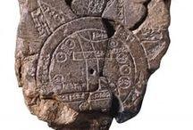 Old script, petroglyphs / script, petroglyphs