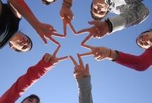 Celebra el día de San Valentín con el IES Chaves Nogales / Con este tablón los miembros de la comunidad educativa del IES Chaves Nogales expresan sus sentimientos ante el día de San Valentín.