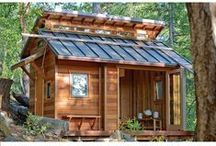 Cabin Style Tiny Homes / Tiny homes and houses styled to look like cabins.
