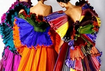 stunning dresses / keep the glamour coming  / by Barbara Henderson