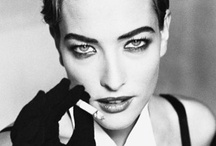 09 - The Glamour Smoking Pause / Black & white photography: women smoking cigarettes