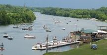 Evansville, IL / Evansville, IL is a leading agricultural shipping port on the Kaskaskia River.  http://www.evansvilleil.org