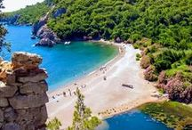 Antalya Tyrkia / Antalya er hovedstaden i Antalya-provinsen og ligger ved Antalyabukta ved middelhavskysten i Tyrkia. Populært reisemål.