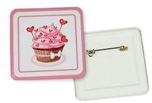 Spille Personalizzate / Spille Personalizzate in 4 formati, con clip o con ago: stampale con le tue foto o scegli una delle nostre coloratissime grafiche.  http://www.fotoregali.com/accessori-moda/spille