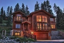 Solitude Chalet  / Four bedrooms, a den, a loft and three and a half baths, this 2,822 square foot home sleeps 12 people and is perfect for a family reunion, group of friends or small corporate retreat.