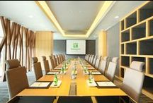 STAY FOCUSED / We believe, focus is a key to success. Plan your meeting at Holiday Inn Jakarta Kemayoran. Your meeting will be so much fun!