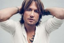 Love Keith Urban / by Maryanne Muscat