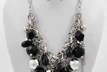 Jewelry I want to create / by Amber Freeberg