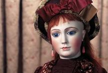 Jumeau / Considered by most to be the greatest doll genius of the 19th century here we present dolls made by the Jumeau firm as highlights from past Theriault's auctions.