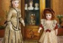 """""""A Matter Of Circumstance"""" Theriault's Marquis Auction 10/17/2015 / A Marquis Cataloged Auction presented by Theriault's on Saturday, October 17, 2015 (auction takes place at the Biltmore in Phoenix, AZ), featuring extraordinary private estate dolls from important French and German collections."""
