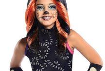 Halloween Skeletons / Skelita Calveras and her skeleton family! Our Halloween project...