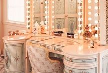 Interior Design / Interior design ideas like interior design tips, interior design inspiration, beautiful living rooms, fancy kitchens, gorgeous bathrooms, and diy makeup vanity ideas.