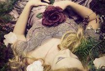 Märchen ✨ / Ich liebe Märchen, egal, ob im Buch oder Film und auch in meine Romane fließen immer wieder Märchenelement ein.