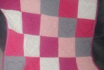 Gemaakte dekens van stof of gehaakt / zelfgemaakte dekens