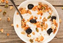 Muesli, Granola & Oatmeal / A collection of muesli, granola and oatmeal recipes for a healthy breakfast. Check out my other board for overnight oat recipes.