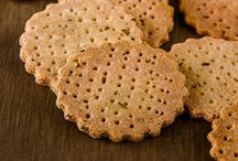 Crackers / Loads of savoury cracker recipes. All you need is some cheese.