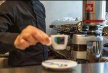LARTE del Caffè / Il CAFFÈ de LARTE intende preservare la tradizione borghese dei caffè storici d'inizio novecento pur soddisfacendo le esigenze di una clientela moderna.