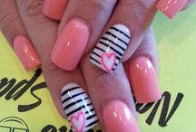 nails / by Emily Gemeinhardt
