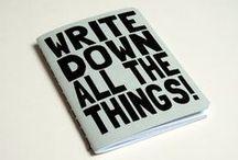 Notizbücher / Ich schreibe massenhaft Notizbücher voll. Stapelweise. Ich liebe Notizbücher, Kladden, Skizzenbücher, Schreibhefte, Kalender, Tagebücher und andere schöne Papiersachen.