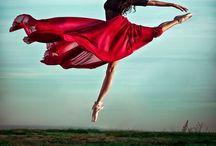 Dancing is like flying / Dancing is like flying without wings