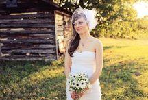 Wedding Veils / Wedding veils from birdcage veils to traditional veils. Wedding veil ideas to find the best veil for your dress.