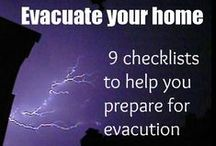 Home Emergency Storage Tips / Tips and ideas of what to store and how to store it.  Also ways to make use of things when you don't have power, plumbing or other means. Home survival projects.