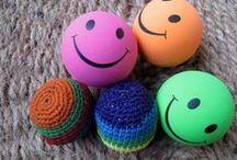 Jeux de balles, de ballons / Jeux d'anniversaire, jeux d'extérieur avec balles et ballons à gonfler
