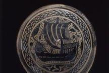Al-Andalus. Navegación / Cualquier tipo de elemento relacionado con la navegación. Puertos, embarcaciones, atarazanas, herramientas. Andalusí/Al-Andalus/Medieval Any matter relating to navigation. Ports, ships, shipyards, tools.