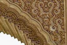 Al-Andalus. Yeserías / Recapitulación de yeserías de andalusíes, mudéjares y moriscas. Se incluyen también la procedentes de sinagogas. Al-Andalus