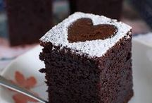 Cakes / by Simeia Hamzem