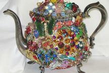 TEAPOTS / #UniqueTeapots, #TeaPots. Unique & Cool Tea pots Please Be Courteous & Don't OverPin My Boards!  / by Oz Wilson