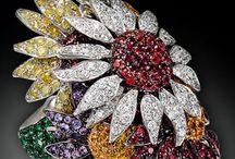 JEWELRY / #Fashion, #Jewelry, #Luxury, #Diamonds, #Gold, #Designer ~ Amazing diamonds, golds, and all precious stones made.  / by Oz Wilson