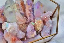 Healing Crystals and Meanings / Everything you ever needed to know about healing crystals, and how to use them