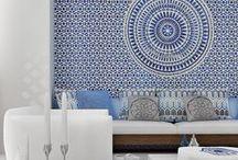 Колористика. Blue and White. / Комбинация белого и синего цветов давно стала классической в оформлении интерьеров. Это сочетание ассоциируется с роскошью и благородством, уравновешенностью, спокойствием и морской стихией.