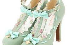 Zapatos / by Pilar Sánchez Zaldívar